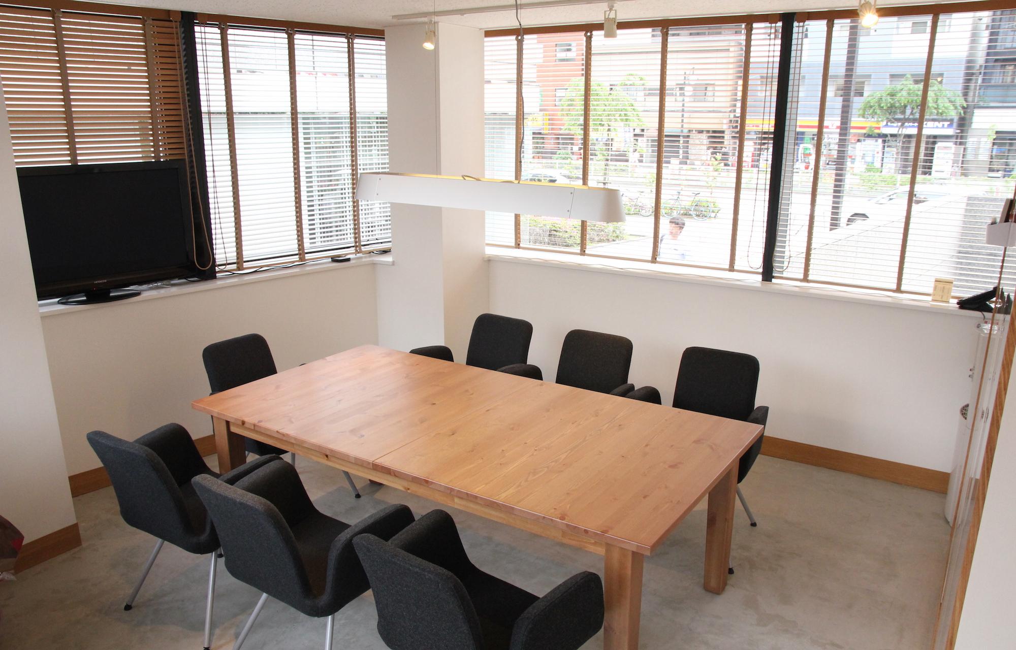株式会社スクワッド Meeting Room デザイン・レイアウト事例