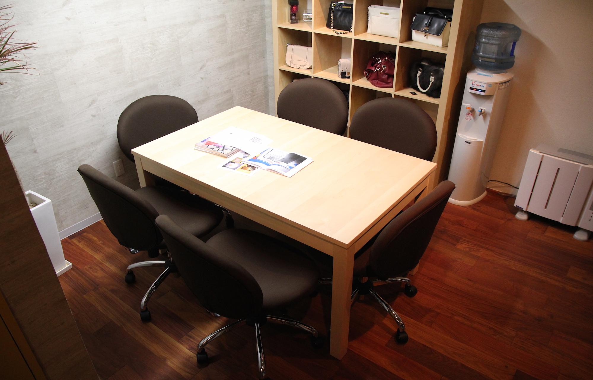 株式会社マニージャパンインク Meeting Space デザイン・レイアウト事例