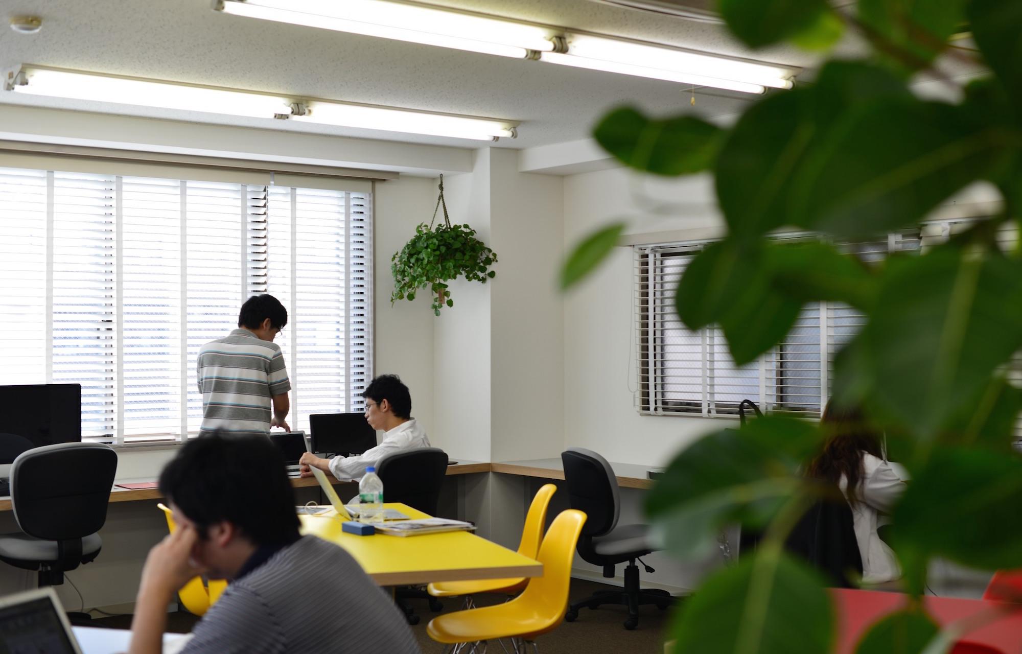 アイキュー株式会社 Work Space デザイン・レイアウト事例