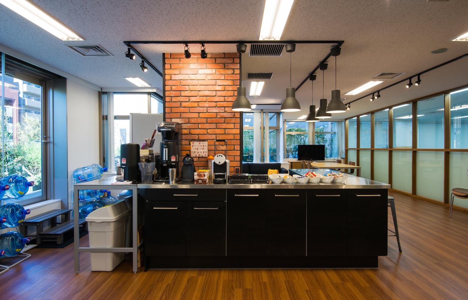 UIEvolution株式会社 vol.1 Cafe Counter デザイン・レイアウト事例