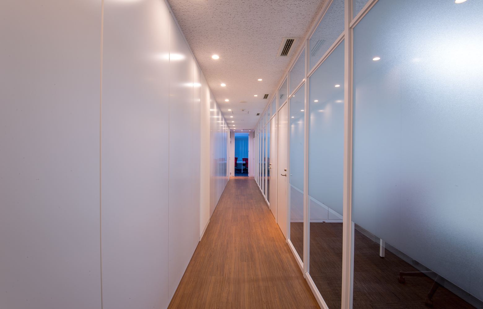 UIEvolution株式会社 vol.1 Corridor デザイン・レイアウト事例