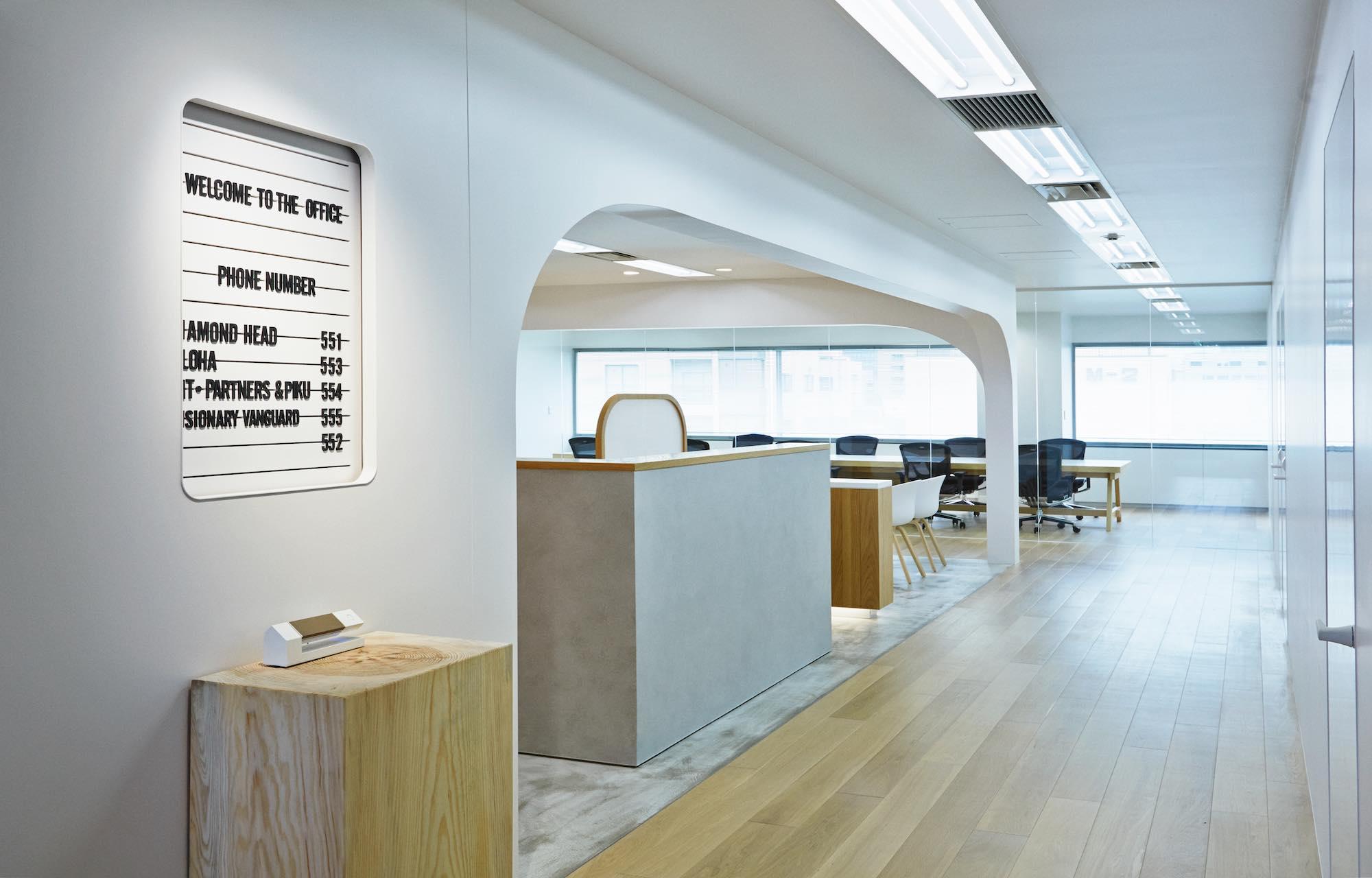 ダイアモンドヘッド株式会社 Tokyo Office Entrance デザイン・レイアウト事例