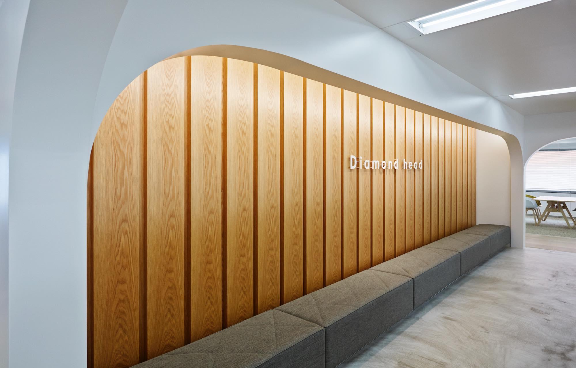 ダイアモンドヘッド株式会社 Tokyo Office Waiting Space デザイン・レイアウト事例