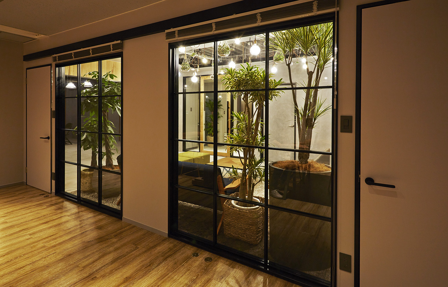 株式会社ココラブル Glass & Door デザイン・レイアウト事例