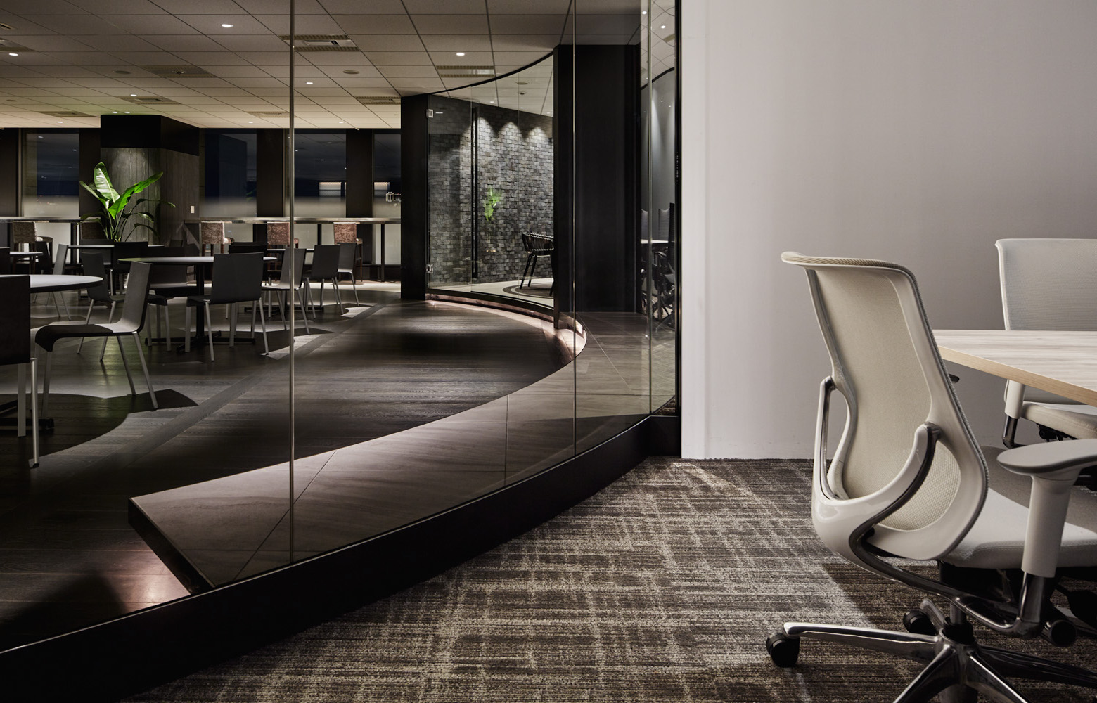 株式会社ベクトル Meeting Room_6 デザイン・レイアウト事例