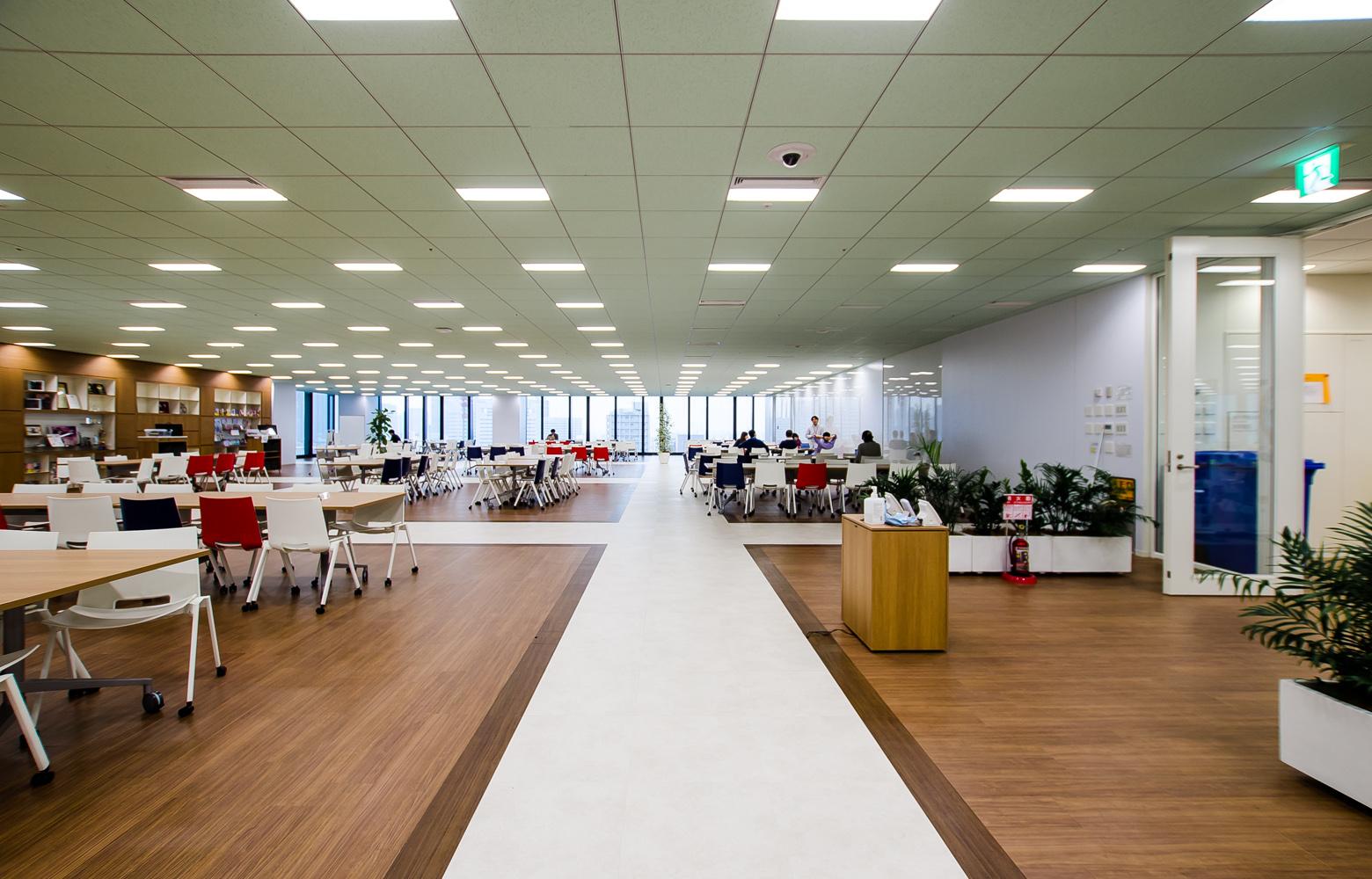 アプリックスIPホールディングス Creative Lounge デザイン・レイアウト事例