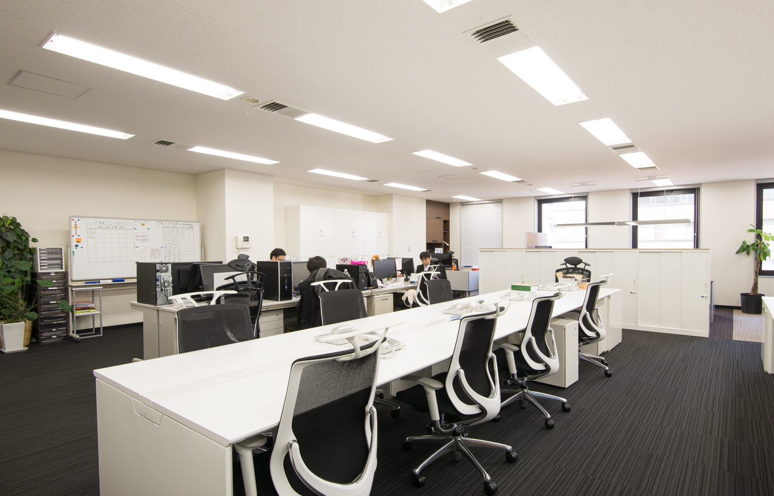 ECマーケティング株式会社 Work Space_2 デザイン・レイアウト事例