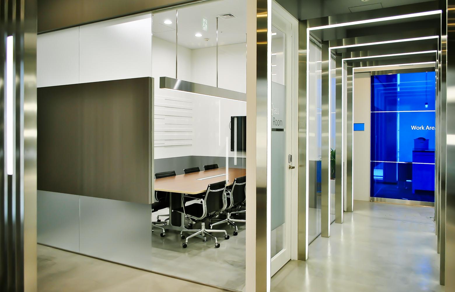 株式会社マイクロアド Entrance_Corridor デザイン・レイアウト事例