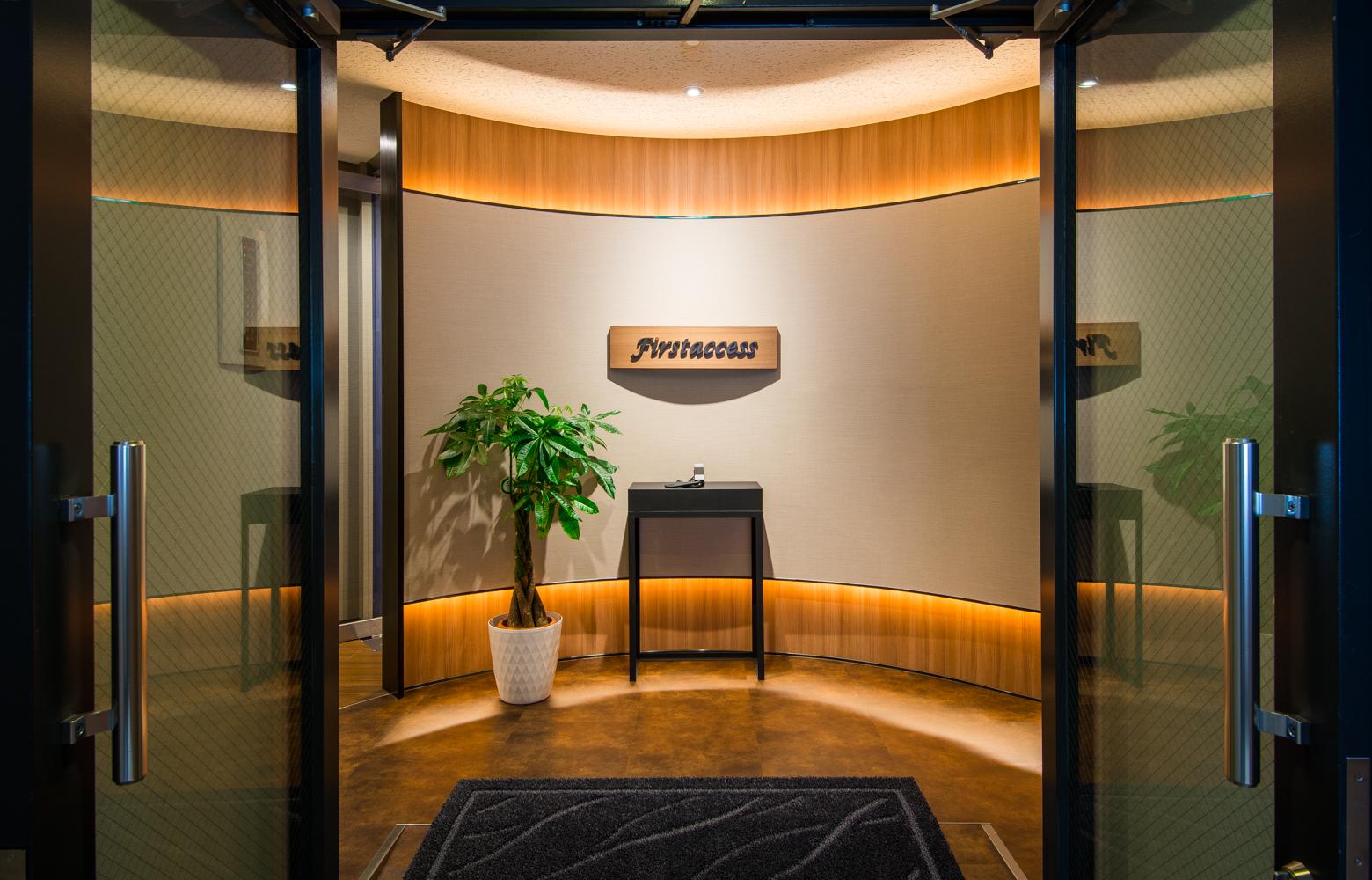 株式会社ファーストアクセス Entrance デザイン・レイアウト事例
