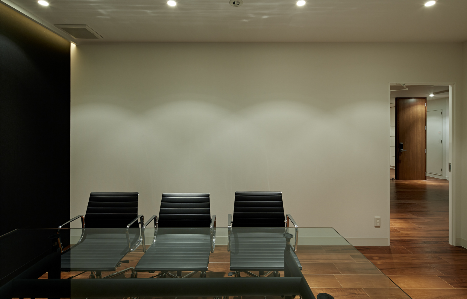 株式会社ギフト Meeting Room_2 デザイン・レイアウト事例