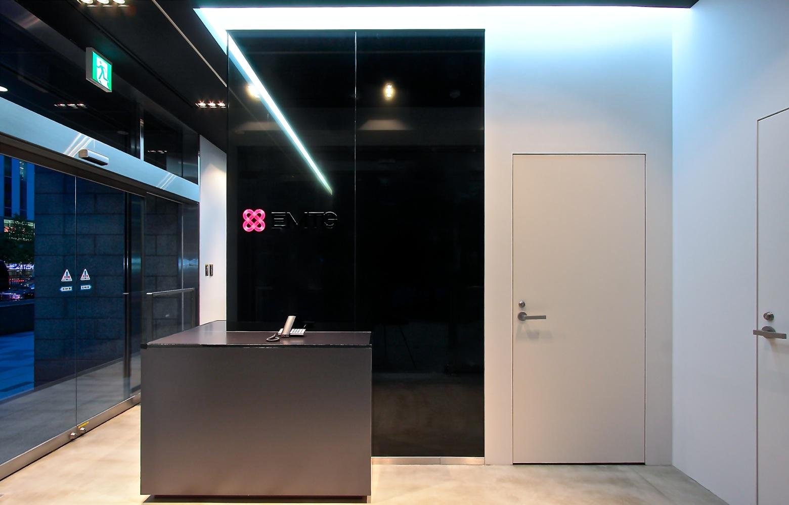EMTG株式会社 Entrance デザイン・レイアウト事例