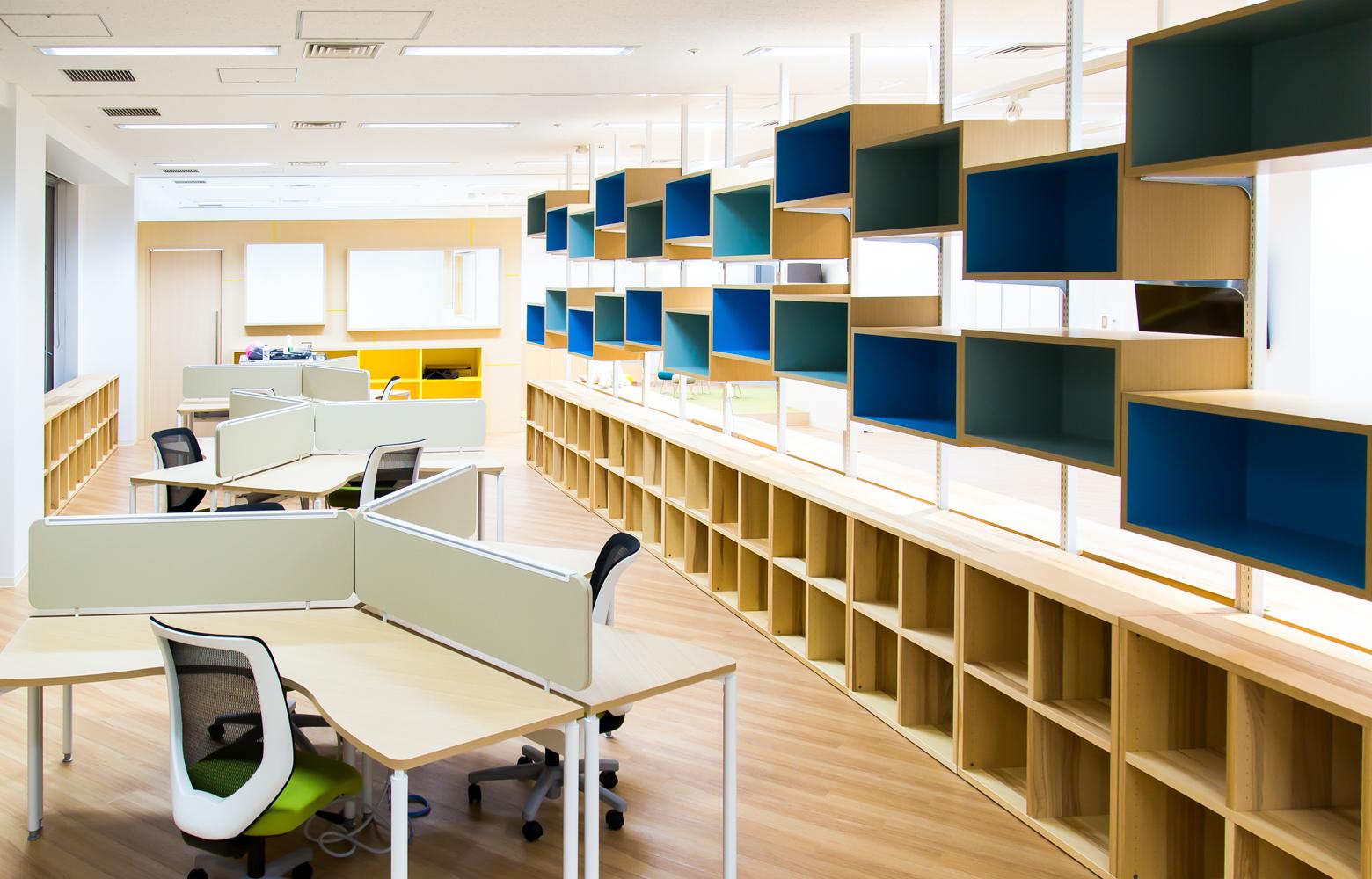 慶應義塾大学大学院メディアデザイン研究科 Work Space_2 デザイン・レイアウト事例