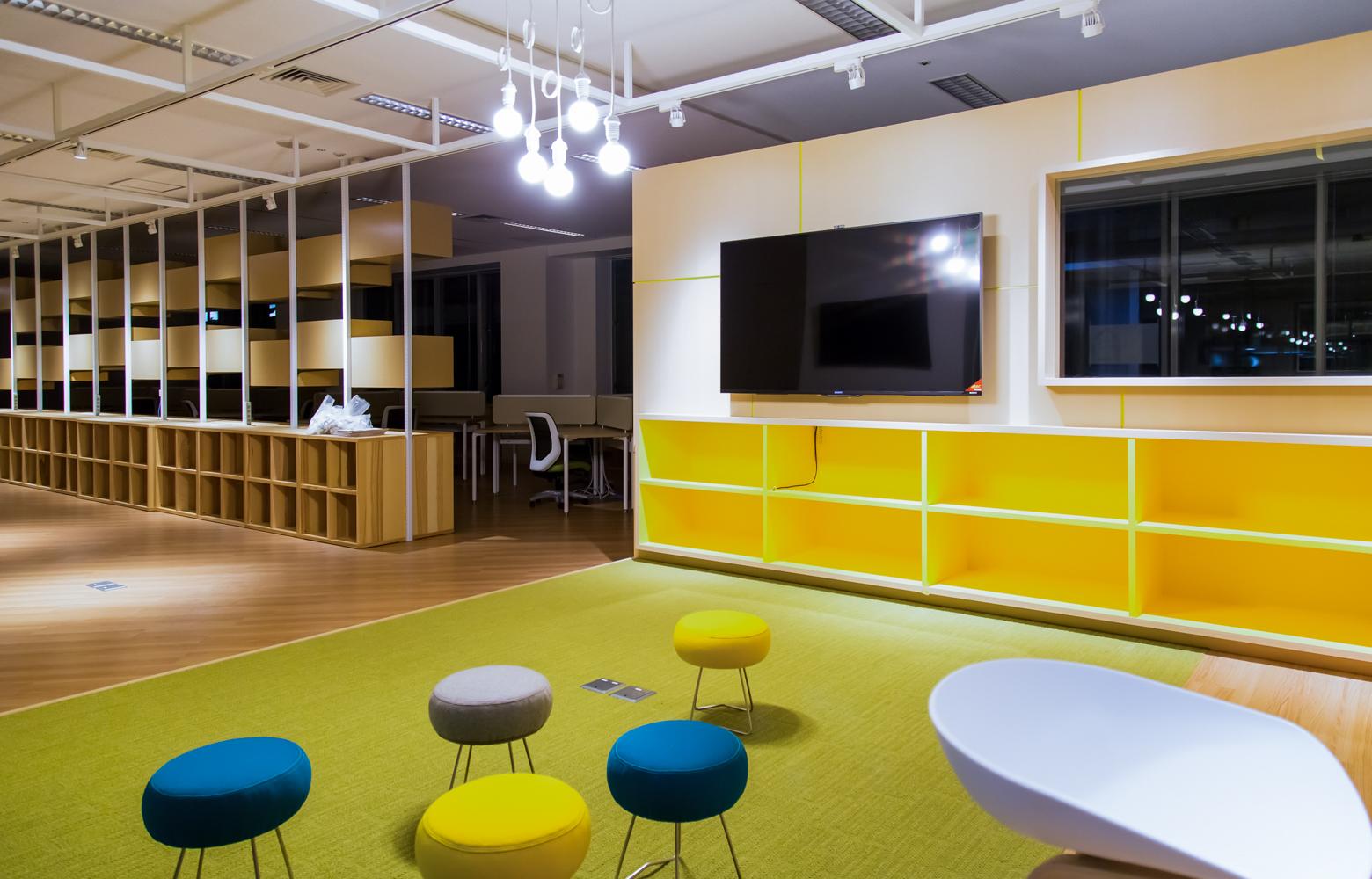 慶應義塾大学大学院メディアデザイン研究科 Laboratory_3 デザイン・レイアウト事例