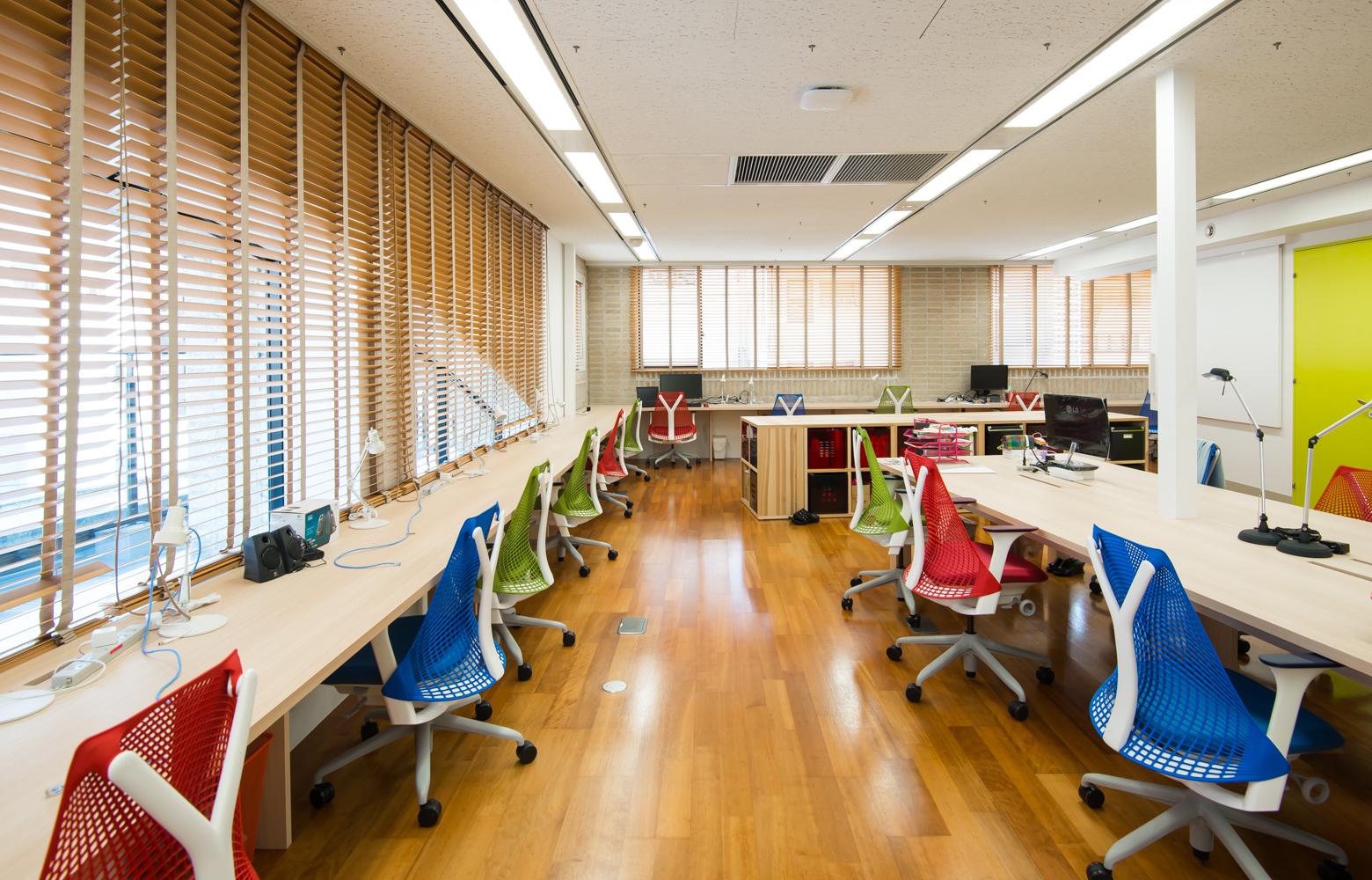 サイズミック・テクノロジーズ株式会社 Work Space デザイン・レイアウト事例