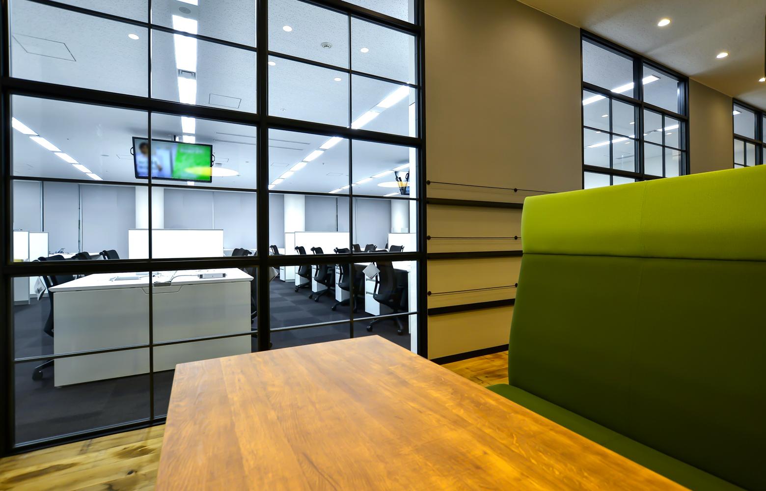 株式会社マイクロアド Work Lounge_2 デザイン・レイアウト事例
