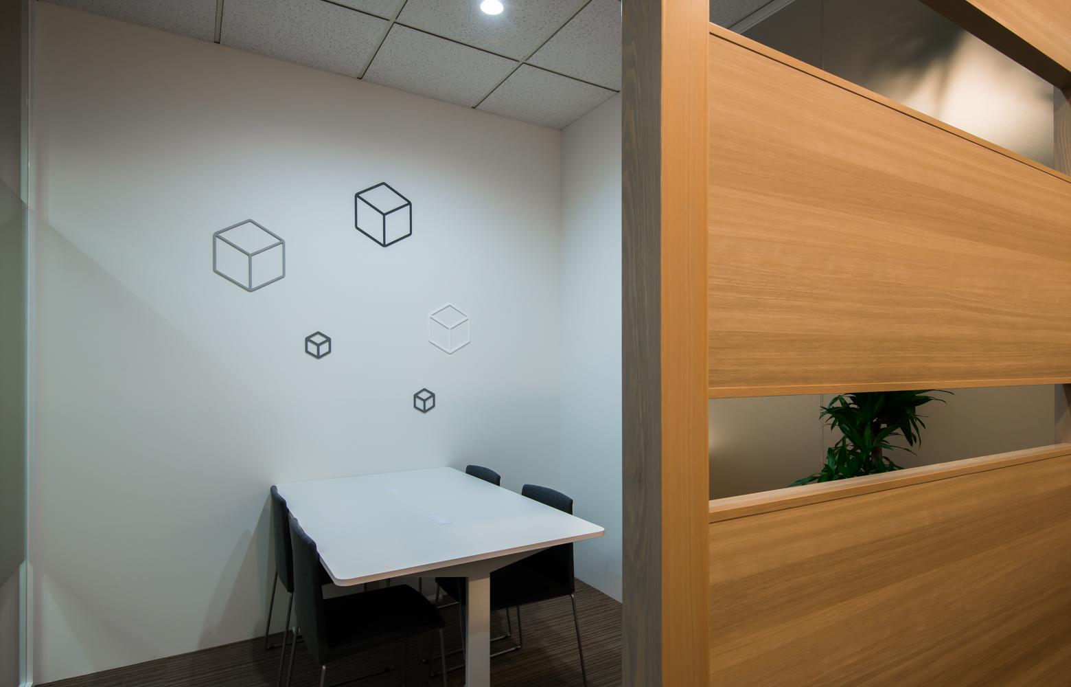 株式会社パック・エックス Meeting Space デザイン・レイアウト事例