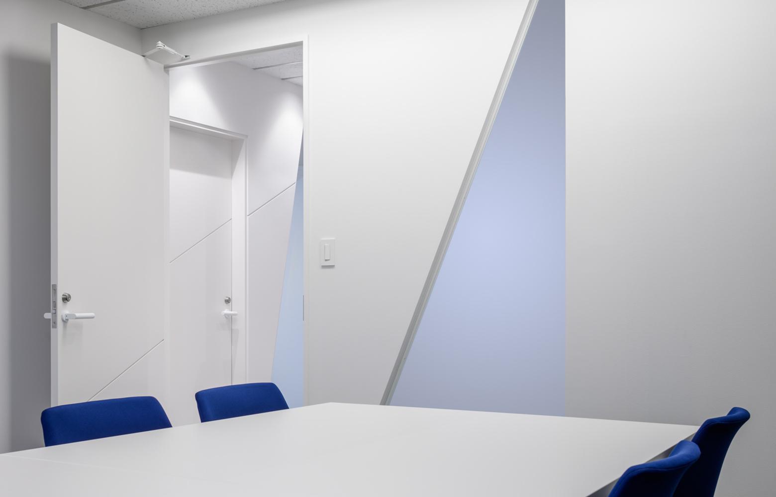 株式会社ユーコム Meeting Room_2 デザイン・レイアウト事例