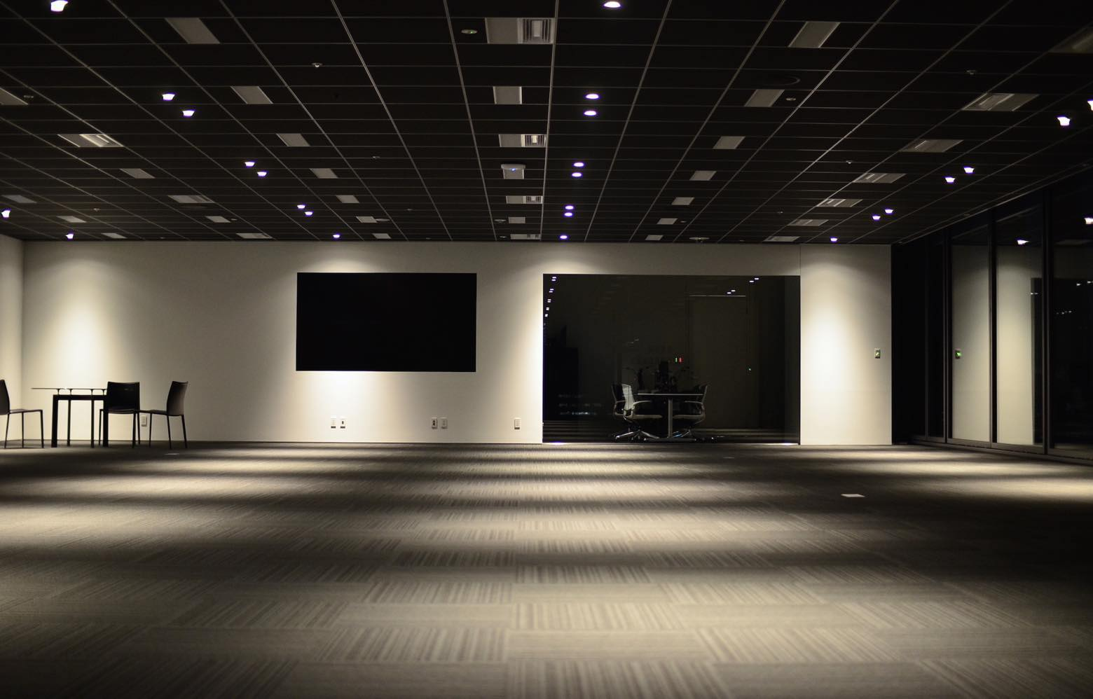 NHN テコラス株式会社 Entrance Lounge デザイン・レイアウト事例