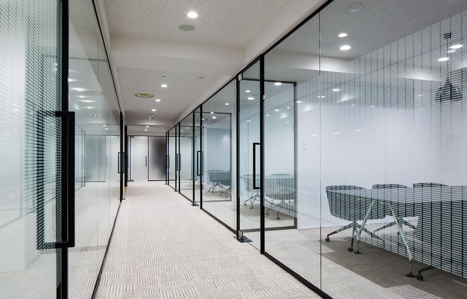 Secret Office Corridor デザイン・レイアウト事例