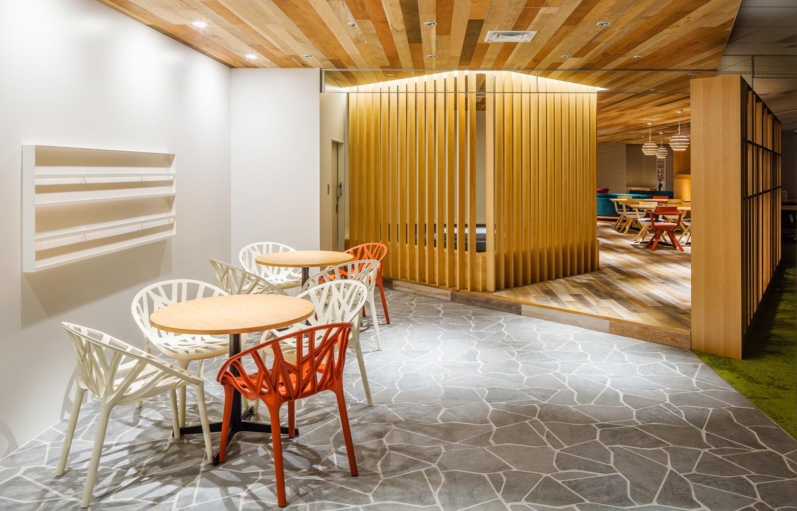 株式会社一蔵 Lounge デザイン・レイアウト事例