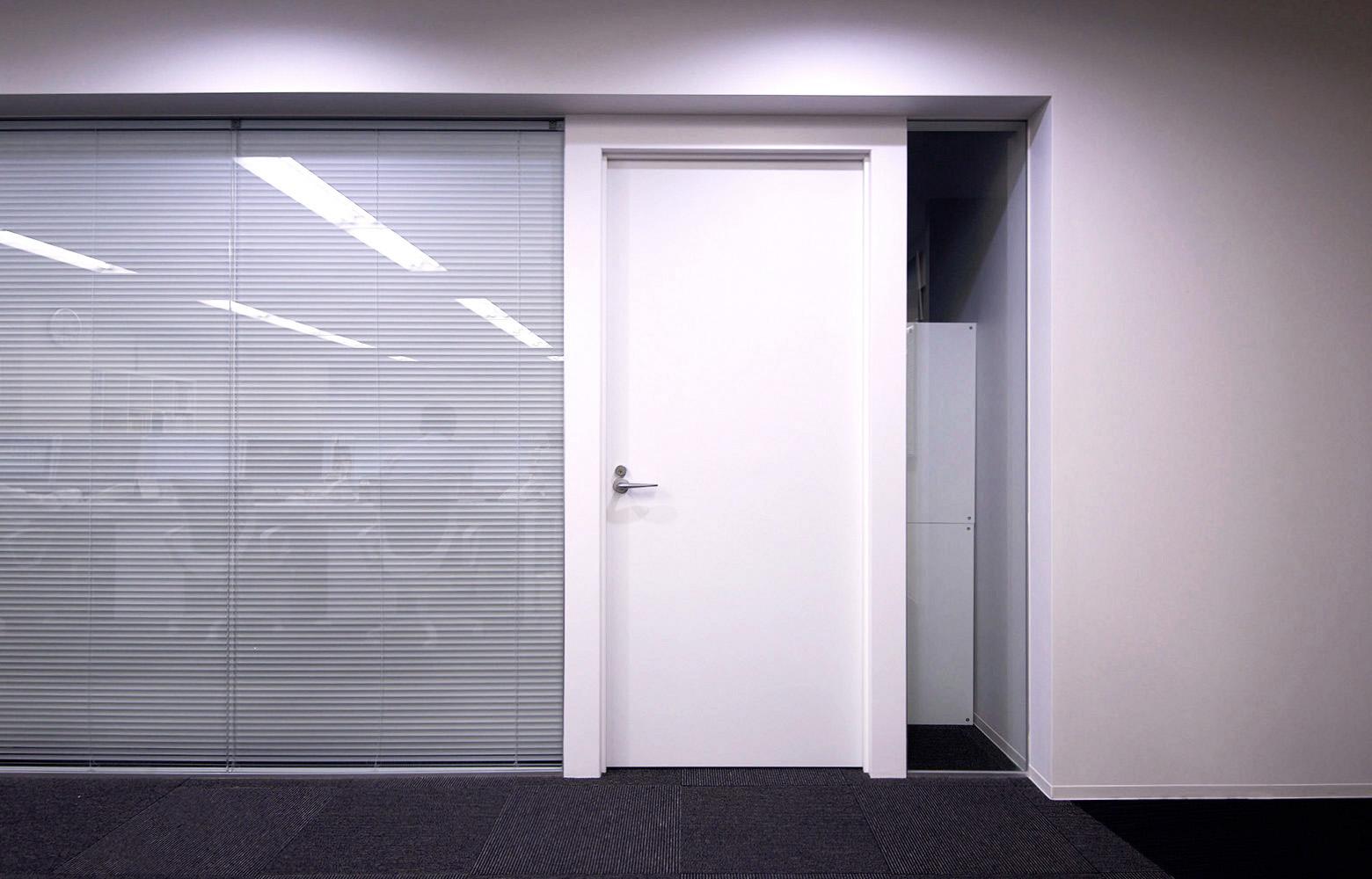 株式会社キーストン・ロジスティック Meeting Room Door デザイン・レイアウト事例