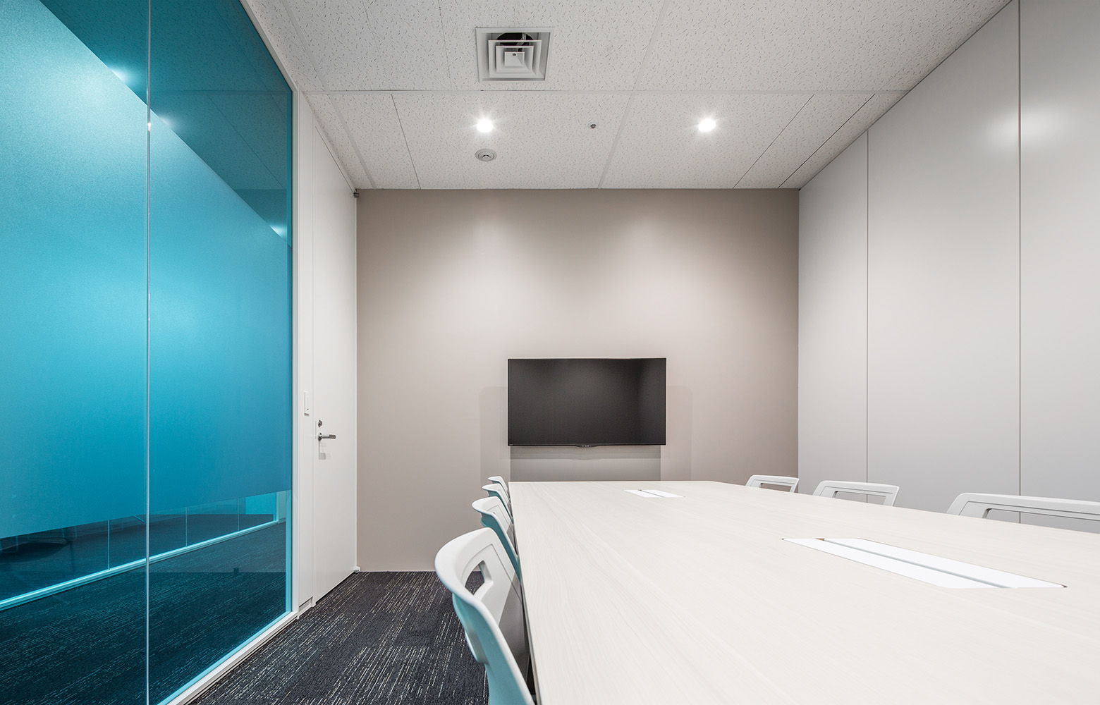 株式会社パピレス Meeting Room デザイン・レイアウト事例
