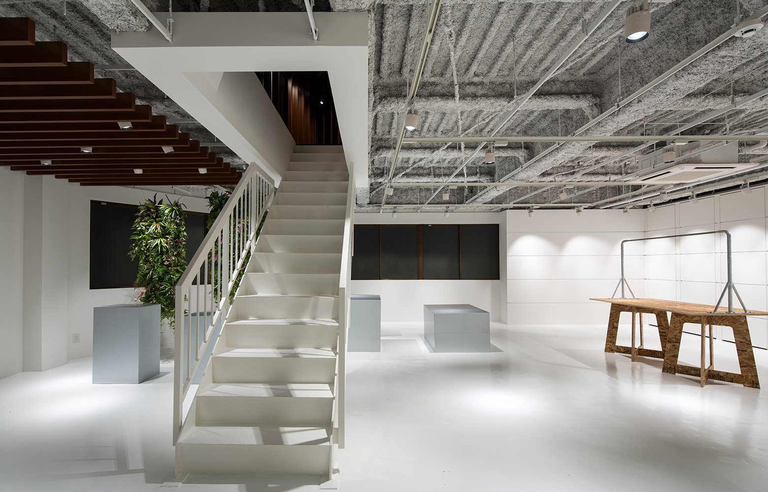 株式会社三景 1F Show Room デザイン・レイアウト事例