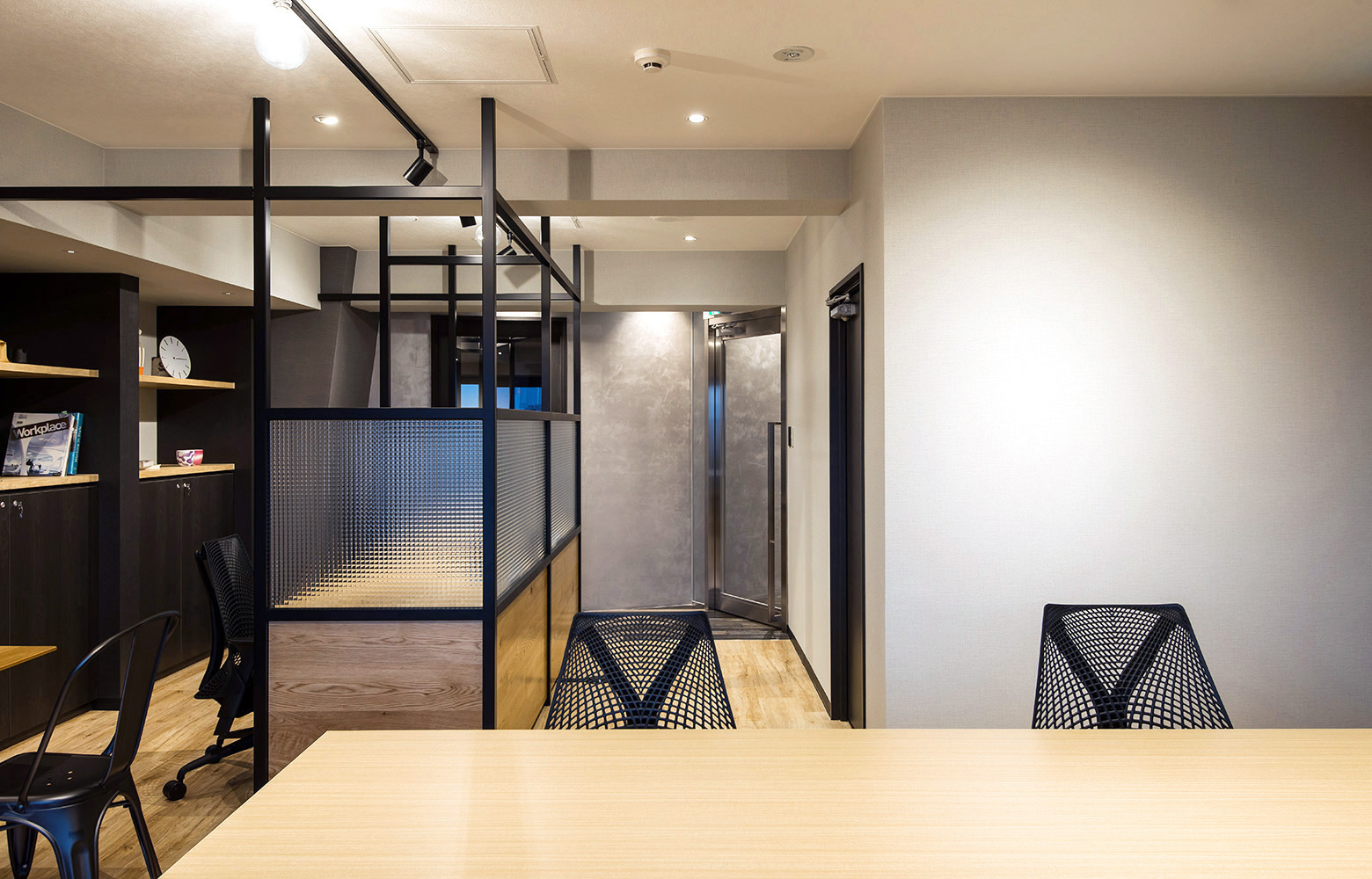 アンバス株式会社 Work Space_2 デザイン・レイアウト事例