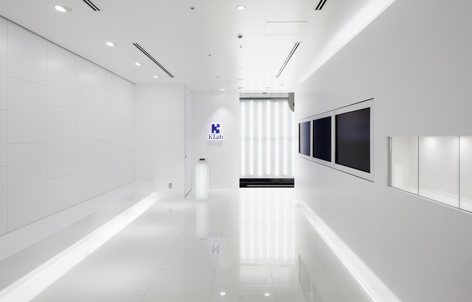 KLab株式会社 Entrance_2 デザイン・レイアウト事例