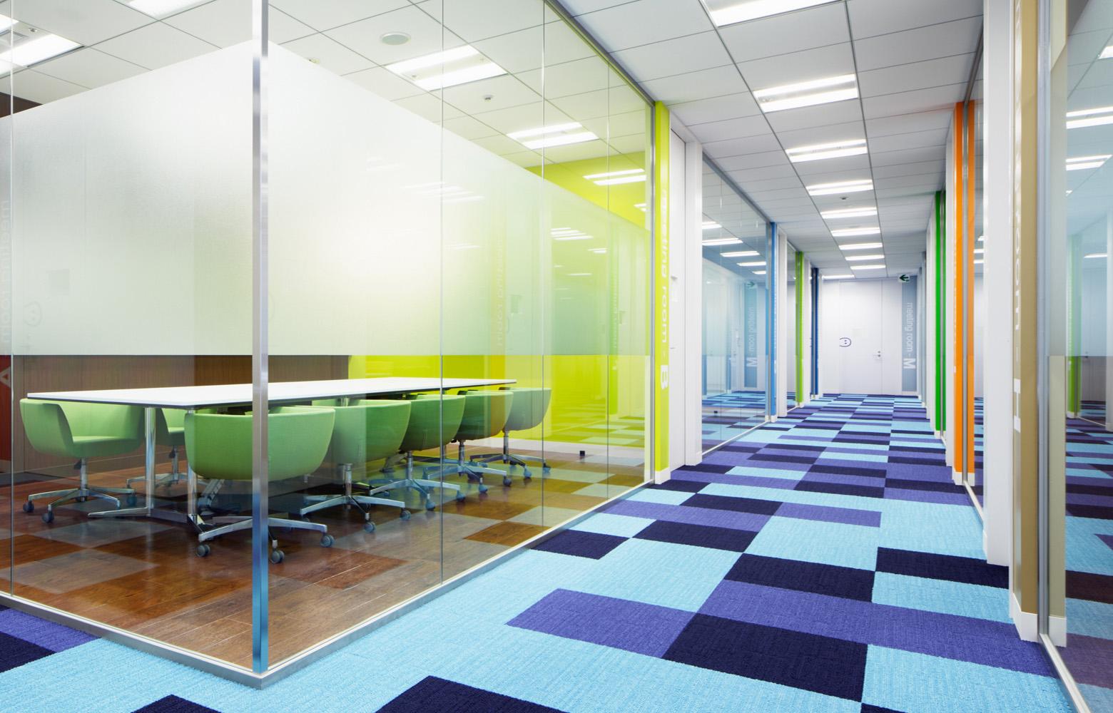 KLab株式会社 Meeting Room デザイン・レイアウト事例