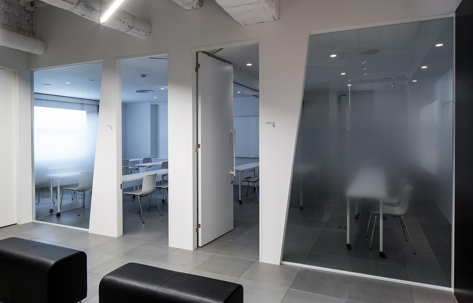 株式会社DECENCIA Seminar Room デザイン・レイアウト事例