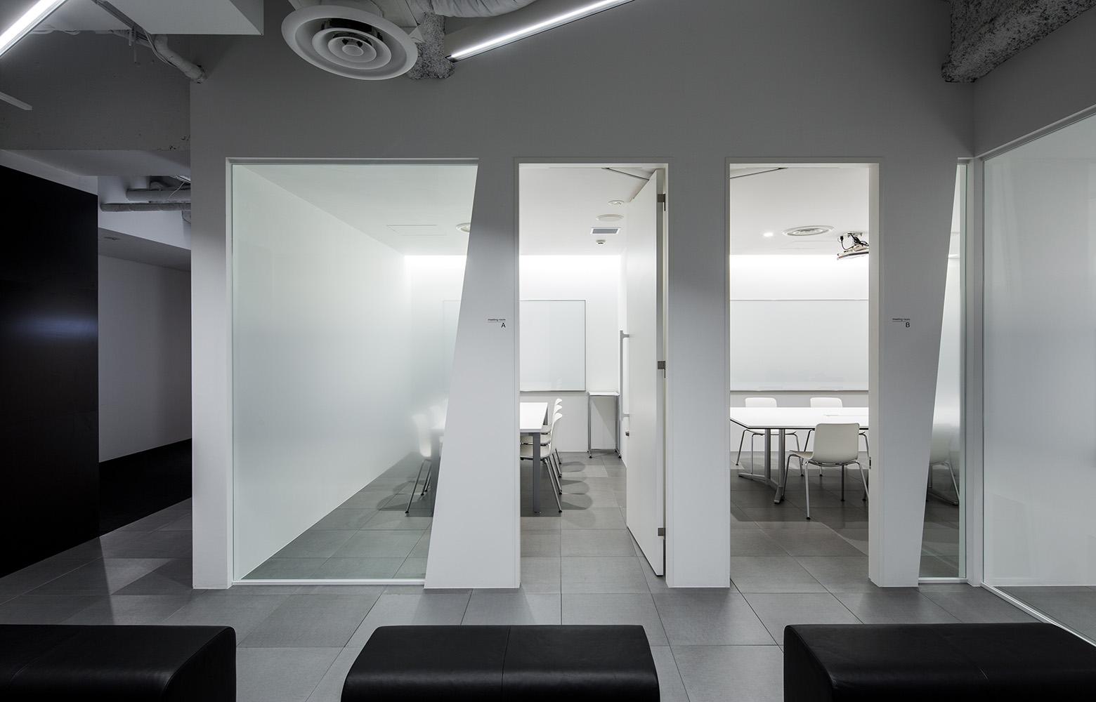 株式会社DECENCIA Meeting Room デザイン・レイアウト事例