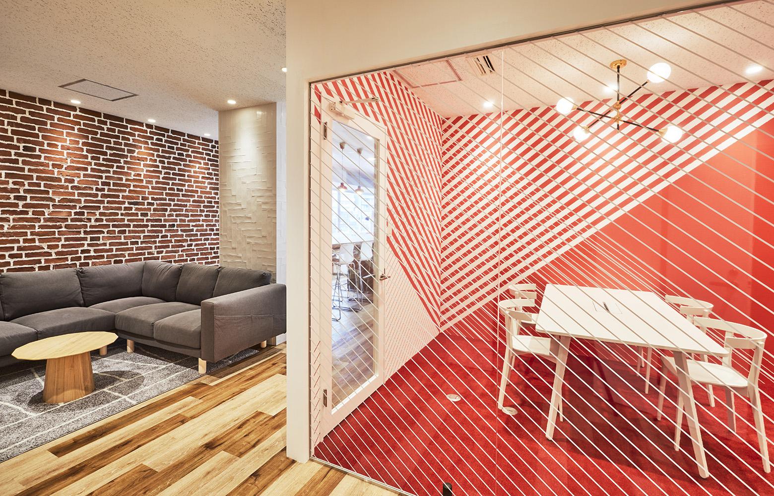 Sopexa Japon 株式会社 Waiting Space & Meeting Room デザイン・レイアウト事例