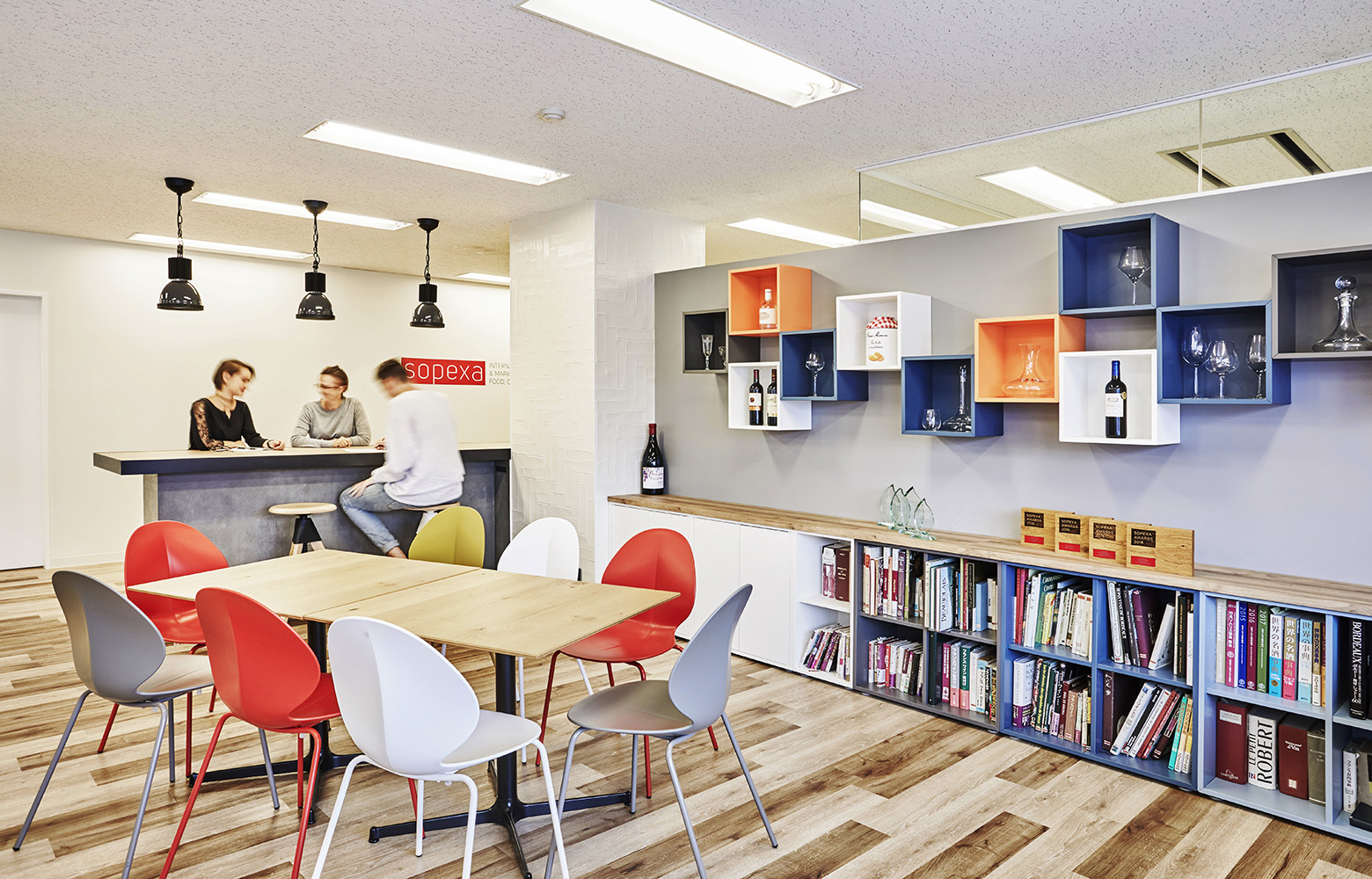 Sopexa Japon 株式会社 Refresh Space デザイン・レイアウト事例