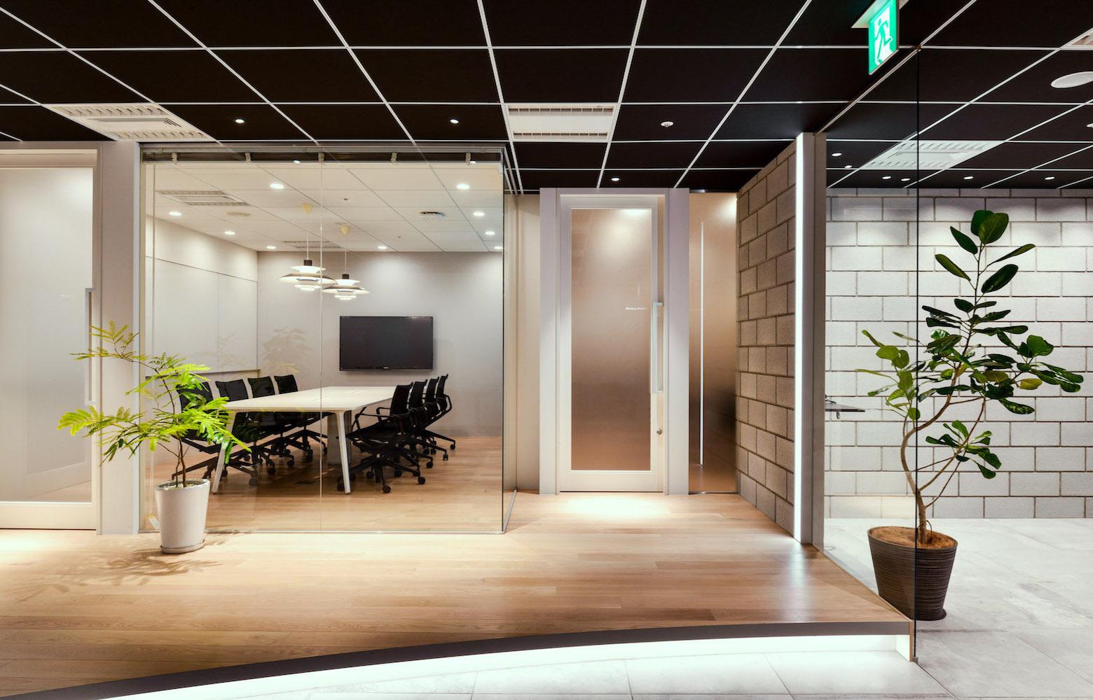株式会社マイクロアド Vol.2 Lounge デザイン・レイアウト事例