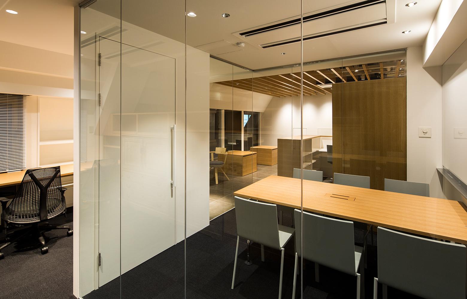 桂屋ファイングッズ株式会社 Meeting Room デザイン・レイアウト事例