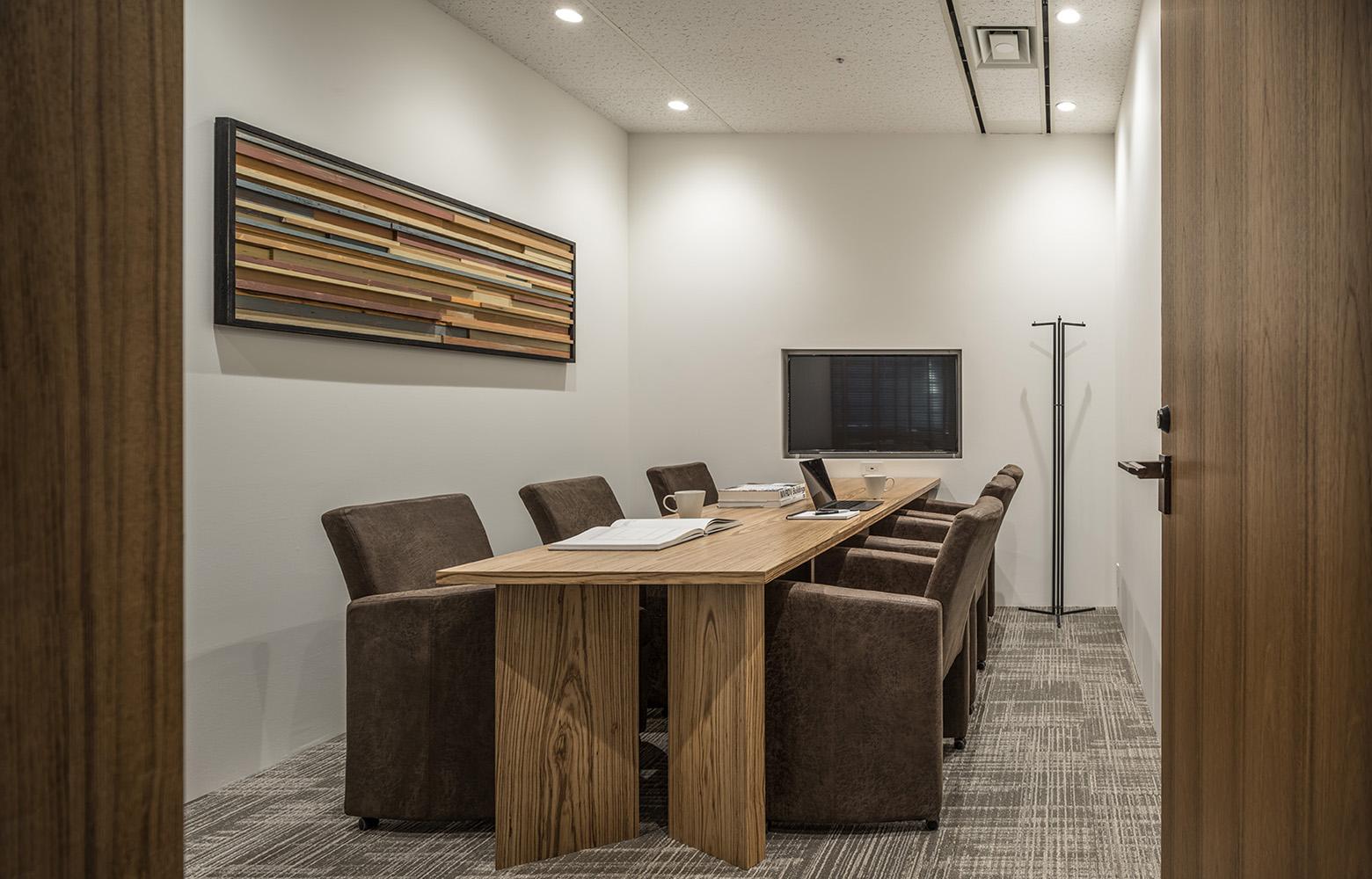 株式会社日本ワークス Meeting Room デザイン・レイアウト事例