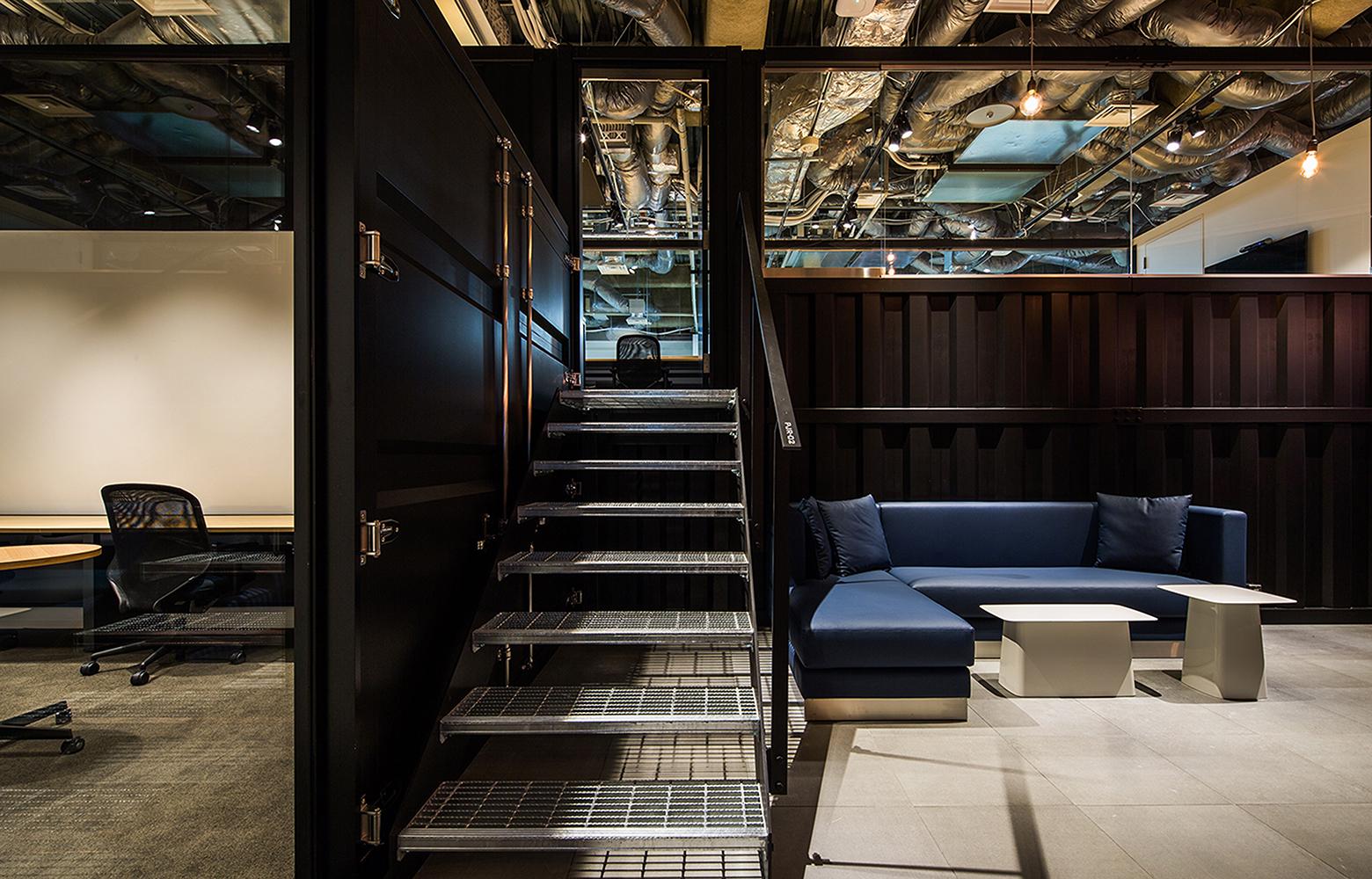 KLab株式会社(Laboratory Office) Stairs デザイン・レイアウト事例