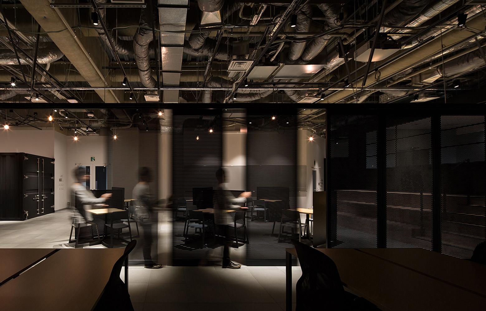 KLab株式会社(Laboratory Office) Slide Wall デザイン・レイアウト事例