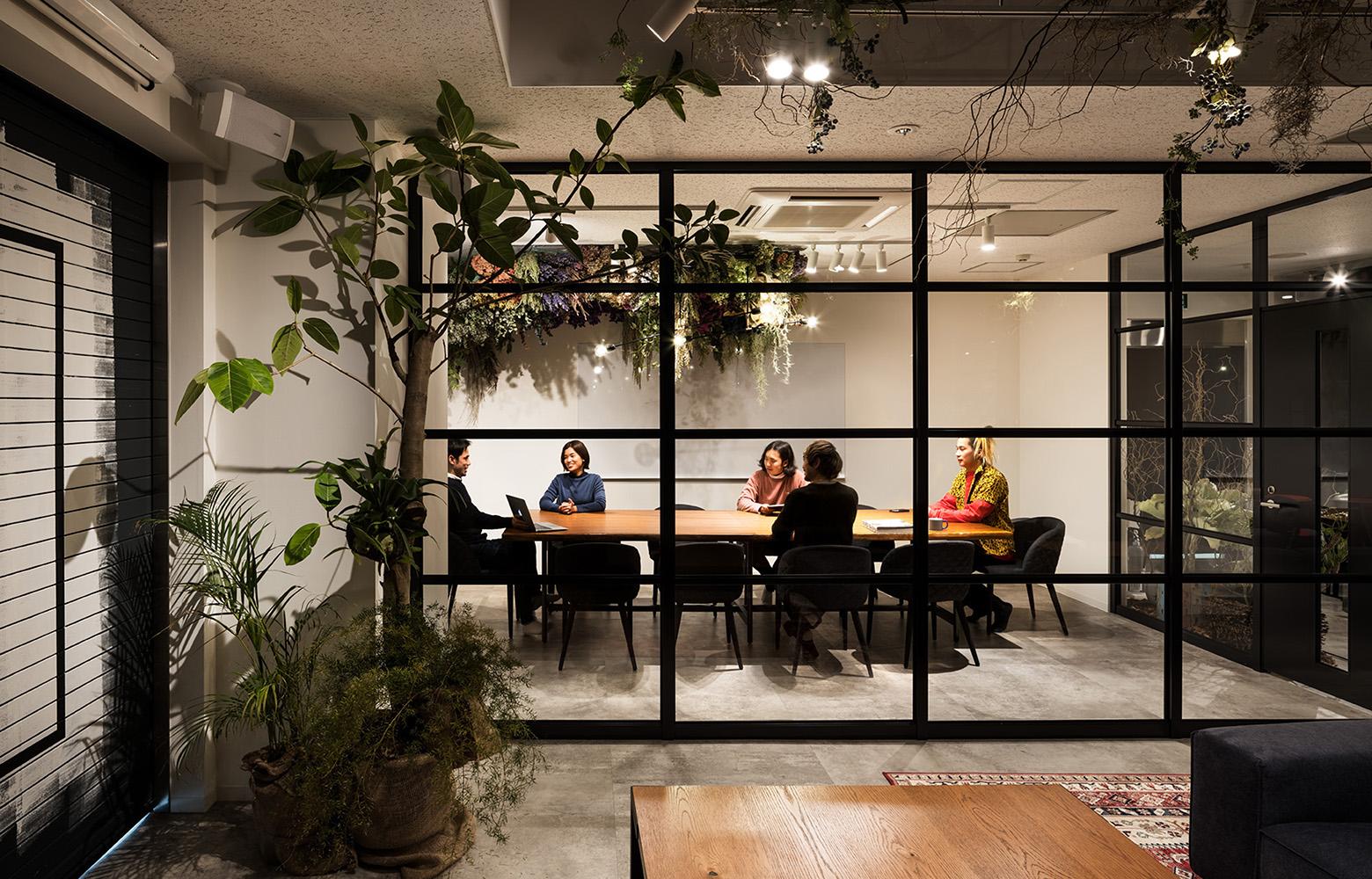 株式会社Avirity Information Meeting Room_2 デザイン・レイアウト事例