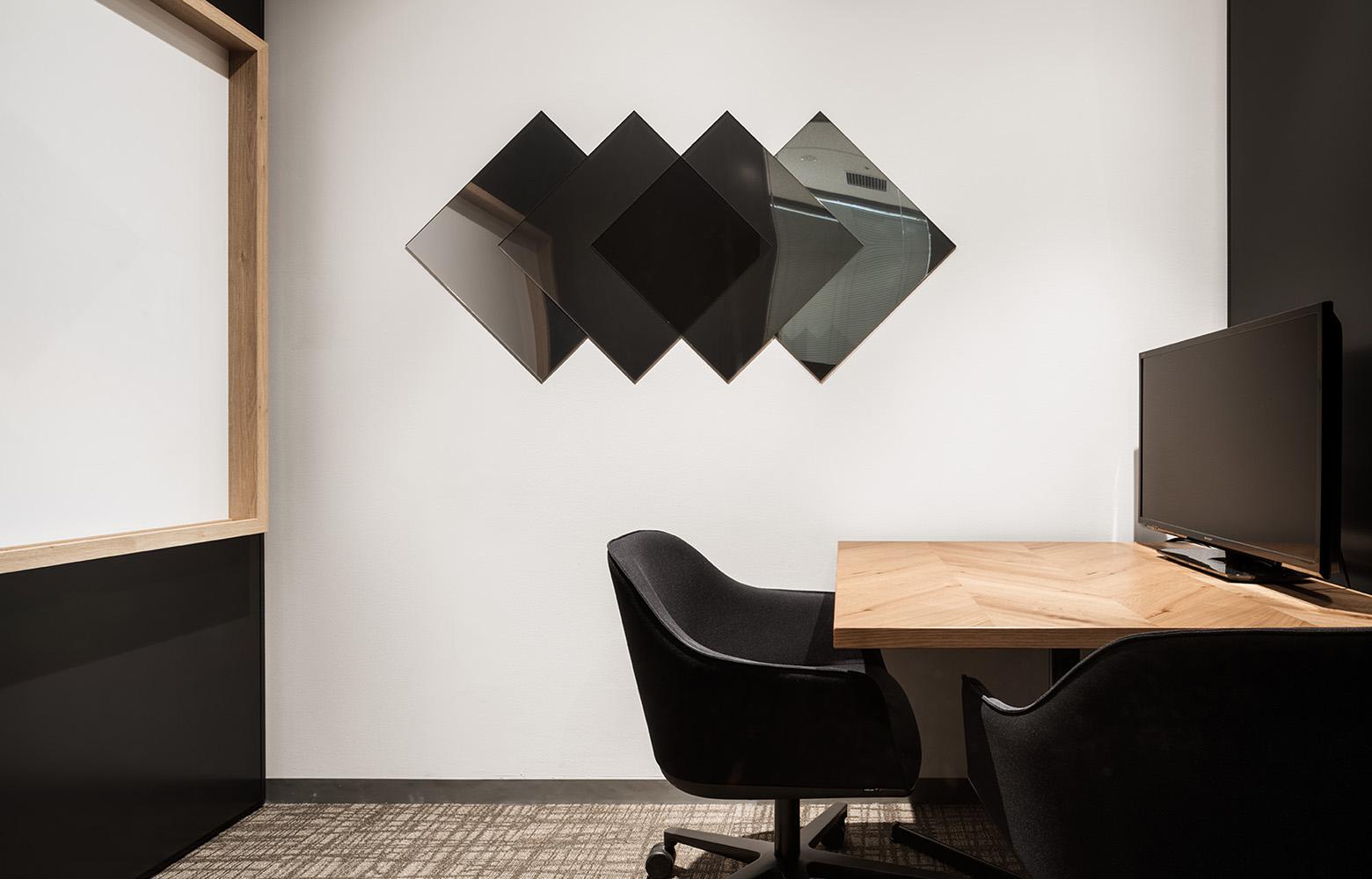フォースタートアップス株式会社 Meeting Space_3 デザイン・レイアウト事例
