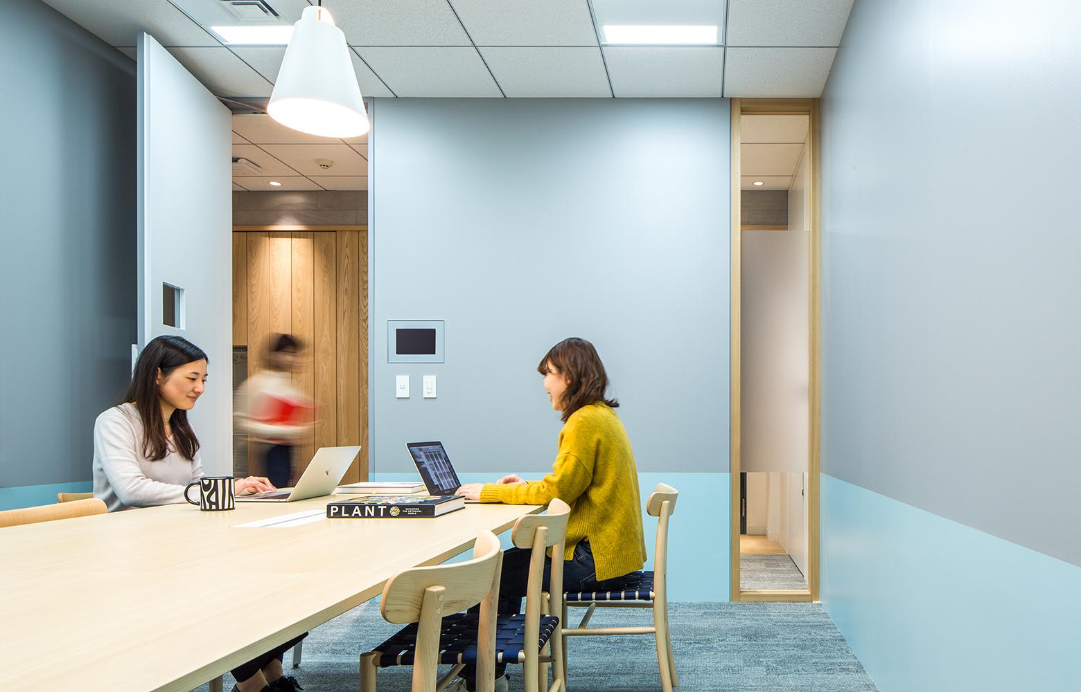 KLab株式会社 Roppongi Office Meeting Room_4 デザイン・レイアウト事例