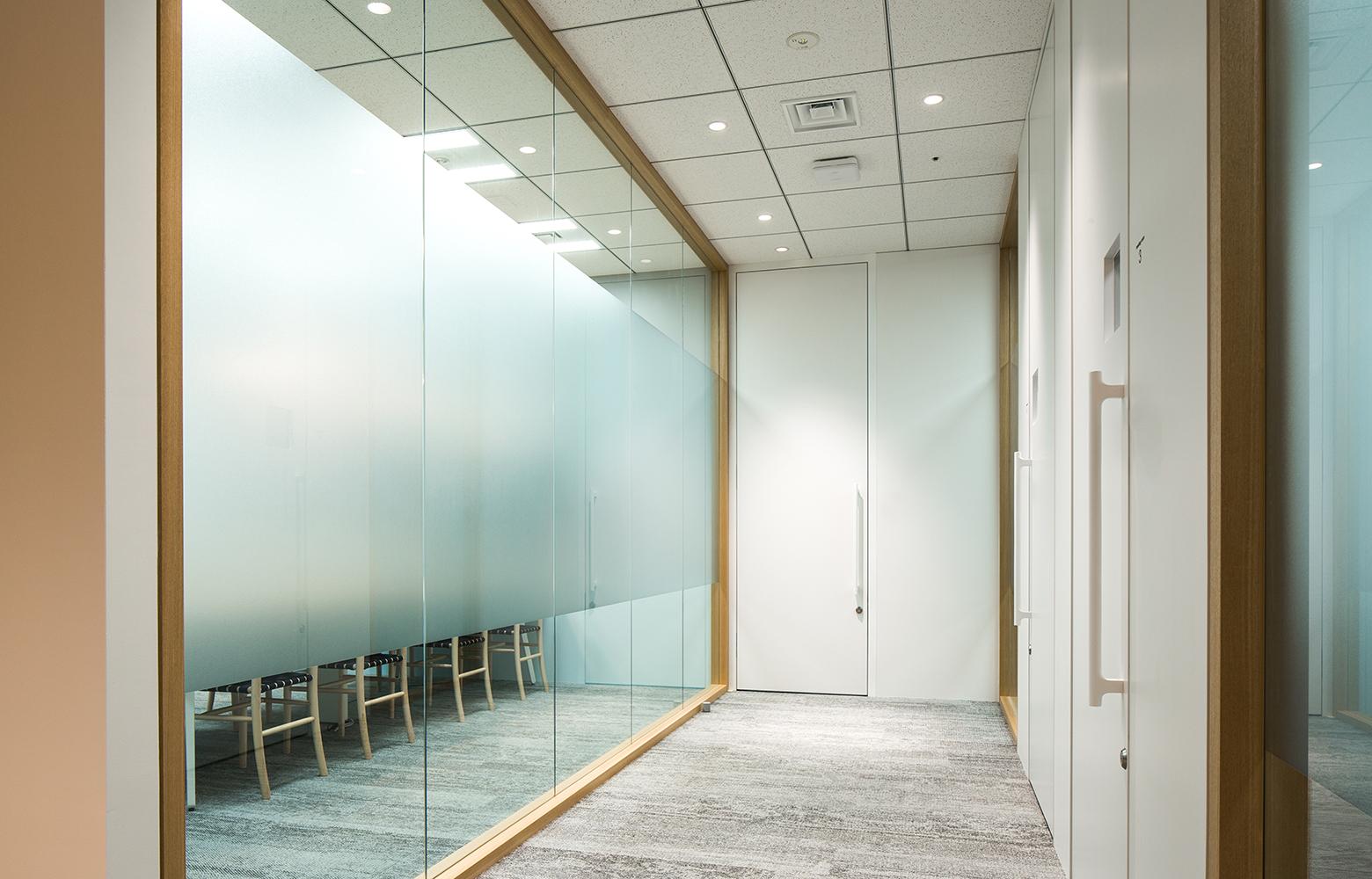 KLab株式会社 Roppongi Office Corridor デザイン・レイアウト事例