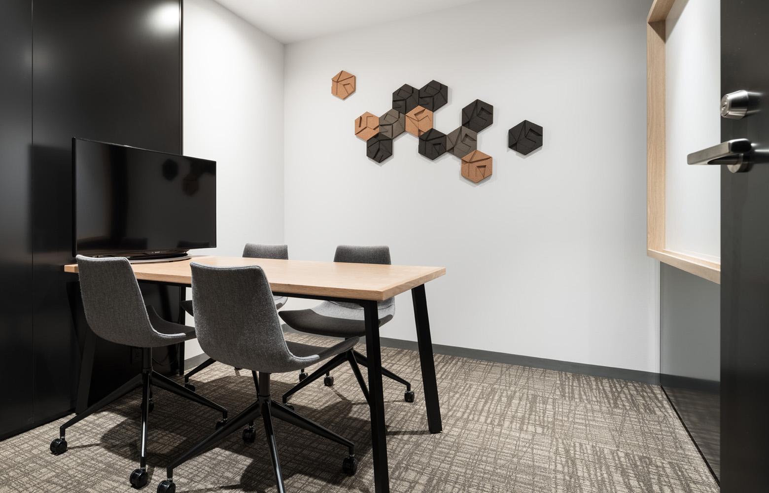 フォースタートアップス株式会社 Meeting Space_5 デザイン・レイアウト事例