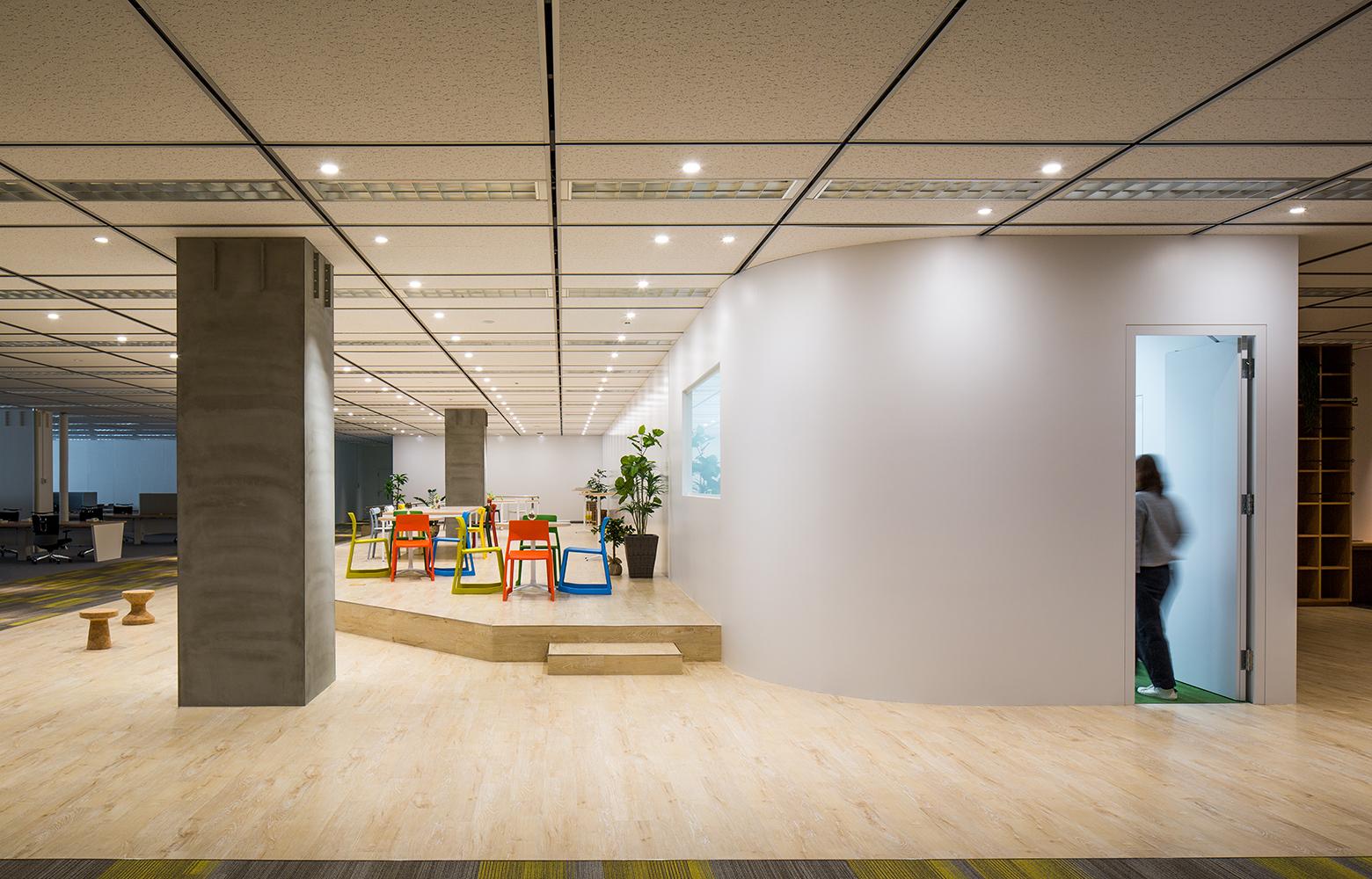 日本電信電話株式会社 横須賀研究開発センタ Free Space_4 デザイン・レイアウト事例