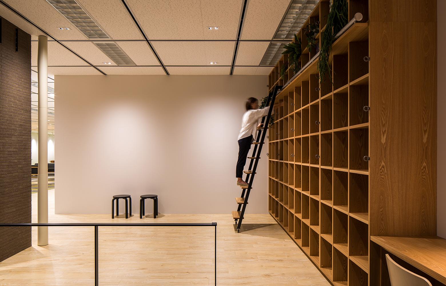日本電信電話株式会社 横須賀研究開発センタ Library デザイン・レイアウト事例