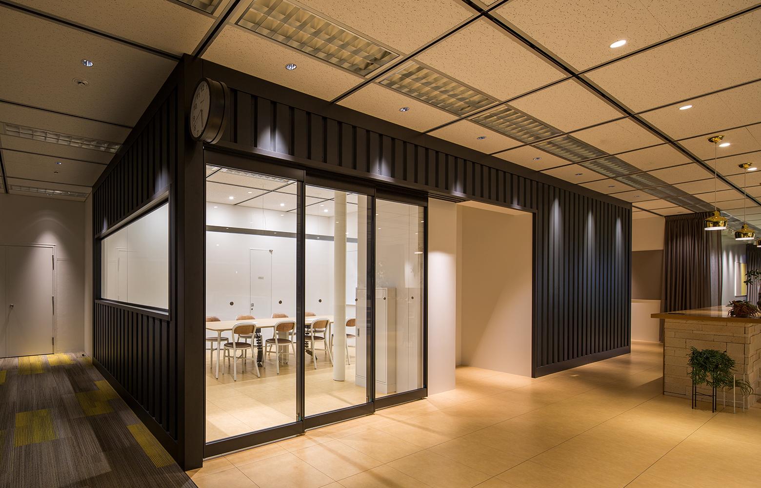 日本電信電話株式会社 横須賀研究開発センタ Meeting Space デザイン・レイアウト事例