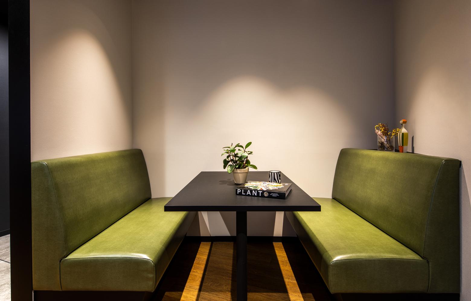 ロブソン株式会社 Meeting Booth デザイン・レイアウト事例