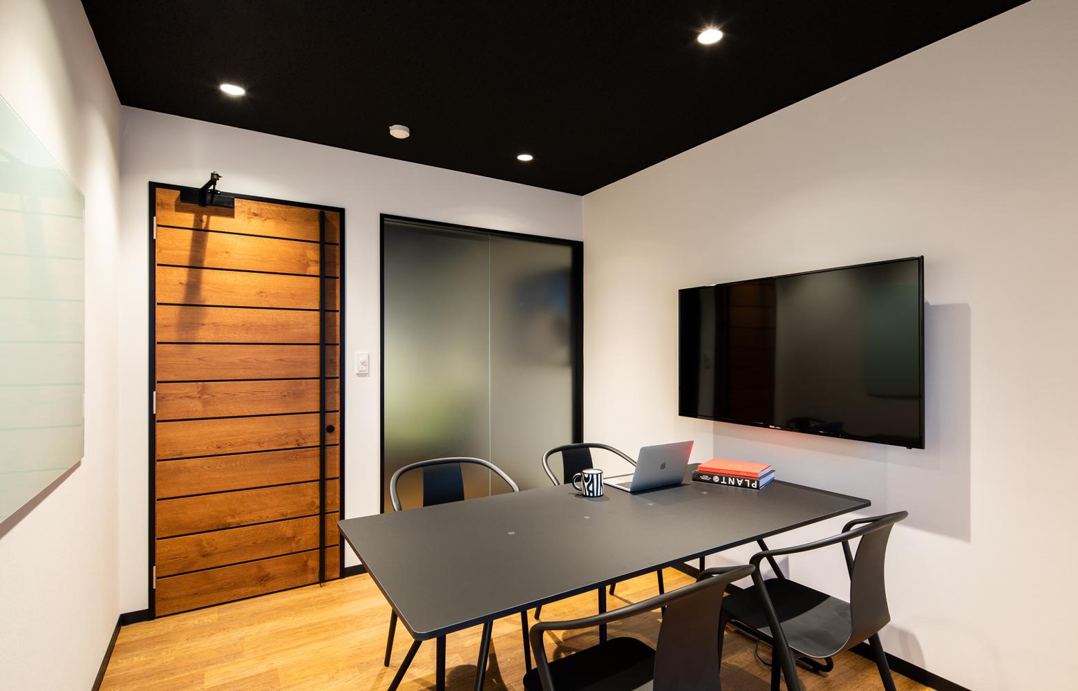 ロブソン株式会社 Meeting Room デザイン・レイアウト事例