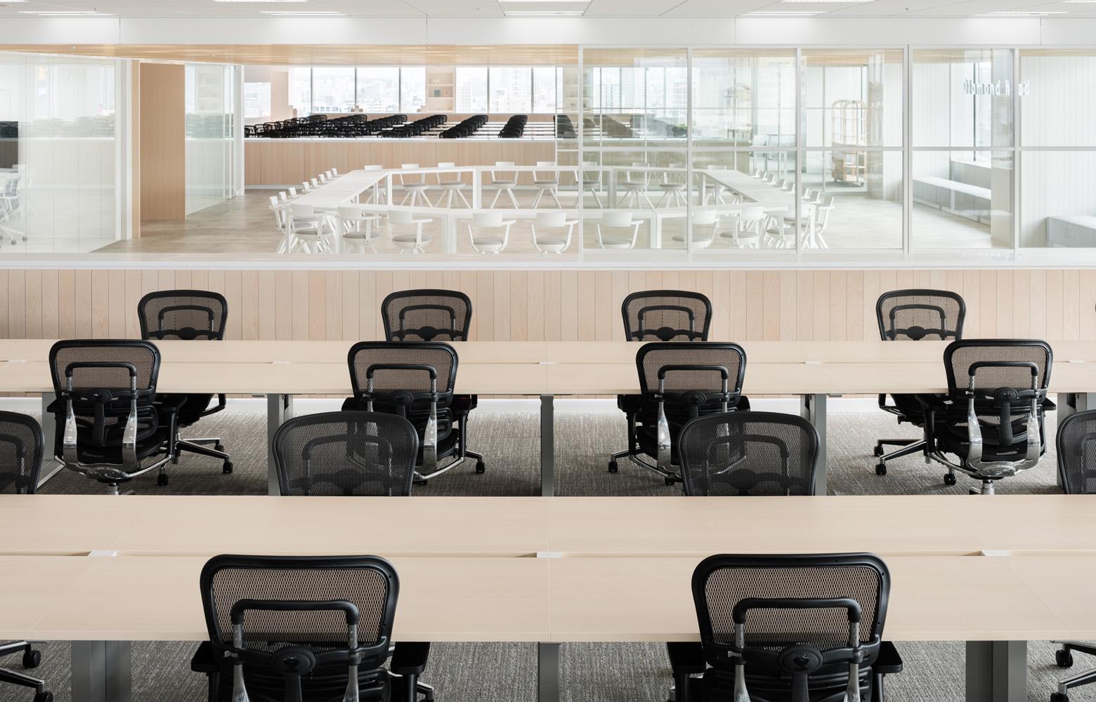 ダイアモンドヘッド株式会社  Sapporo Office Work Space デザイン・レイアウト事例